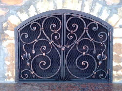 Изготовим кованые каминные принадлежности. Любую кованую мебель. Навесы, ограждения, двери.