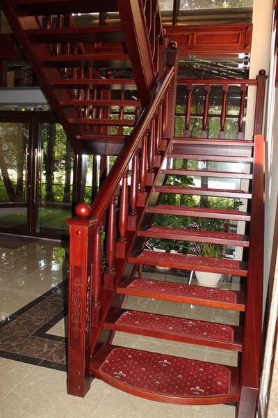 Изготовление дубовых лестниц