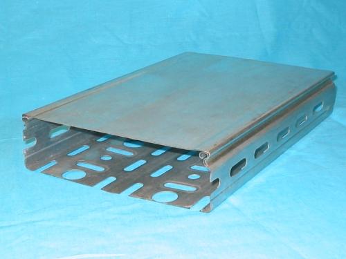 Кабельные короба замкового типа из оцинкованной стали. Перфорированный