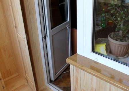 Качественная регулировка балконных дверей