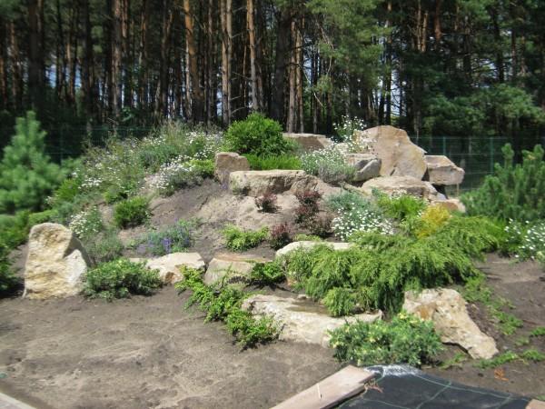 Камень песчаник, глыбы и валуны , для ландшафтной архитектуры. Камень для строительства подпорных стен , заборов