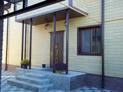 Каменный сайдинг- вентилируемые фасады, либо без подсистемы к стене, к пенопласту.