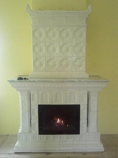 камін кахельний з колонами розміщення - до стіни (розпис - під замовлення, широкий вибір кольорів)