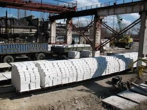 Кирпич силикатный М-150 одинарный. цена 1300 грн. /пачка(1000 шт. =1,90 грн. /шт. )на условиях EXW.