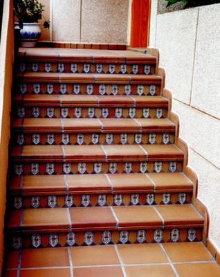 Клинкерные ступени, подступенки, напольная плитка 245*245*11,310*310, с антискользящим покрытием Gresmanc Fuji(Испания)