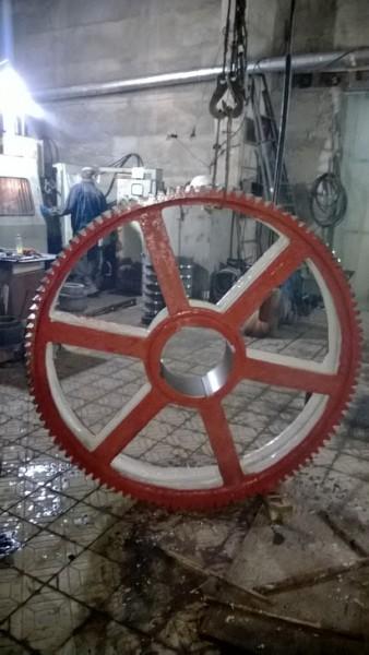 Колесо приводное экскаватора