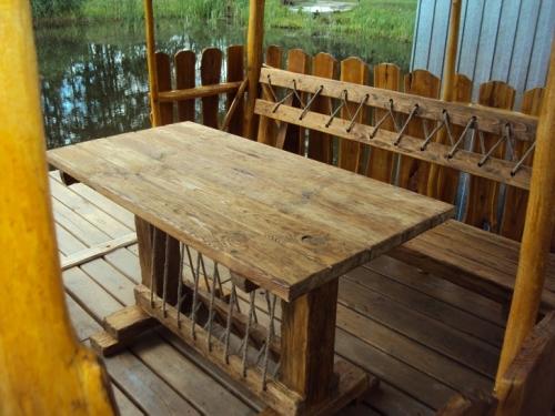 Комплект стол и 2 скамейки(2м) с эффектом старения.