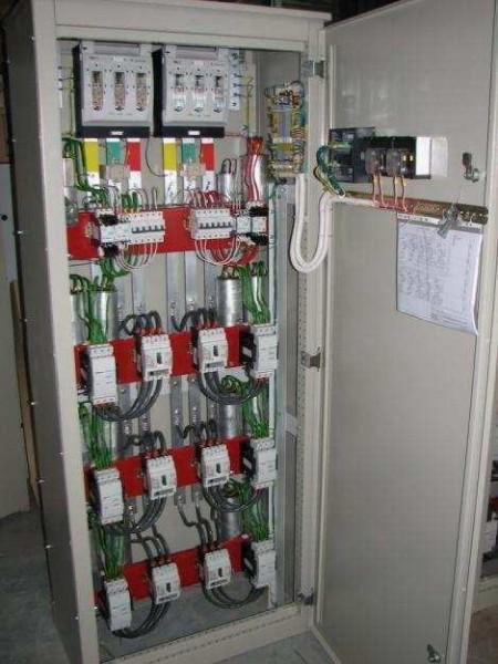 Комплектные конденсаторные установки ККУ-0,4