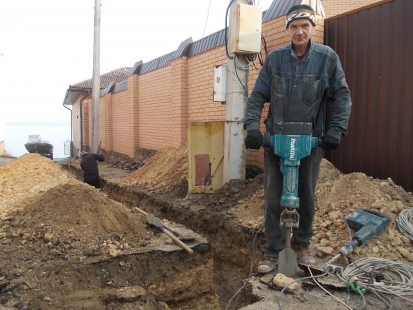 Копаем любые траншеи, котлованы, сливные ямы. Николаев.