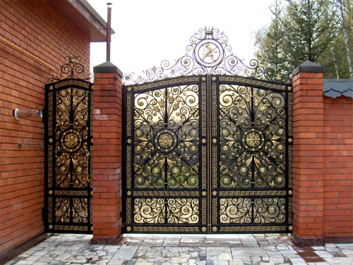 какие ворота лучше поставить в ограде