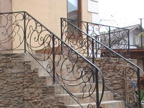 Кованые перила, ограждения, ворота, лестницы, решетки, козырьки и навесы