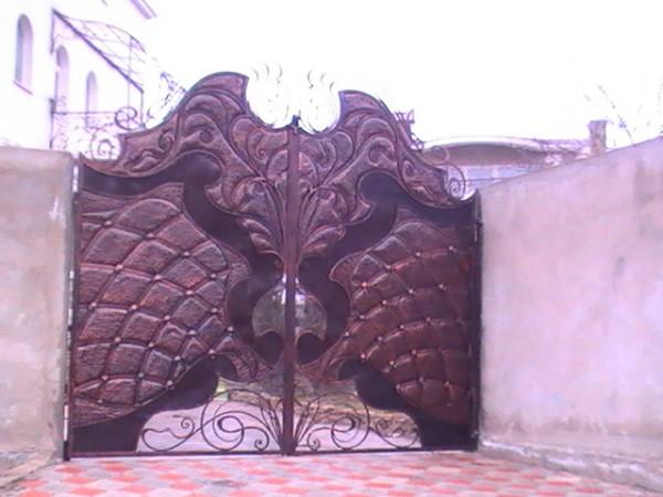 Кованые ворота, козырьки, решетки, перила, ограждения, лестницы, мебель