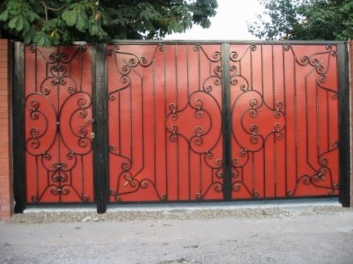 Кованые ворота, сварные ворота с элементами ковки, ворота из профнастила.