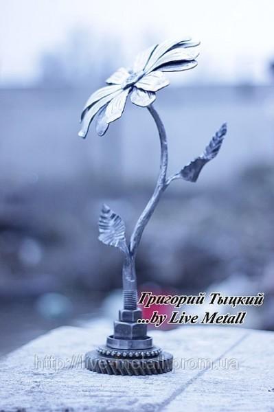 кованый цветок на заказ
