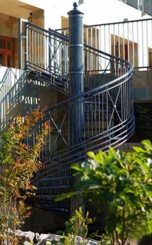 кованные лестницы и их монтаж