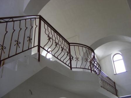 Кованные лестницы, лестницы металлические, перила и балясы
