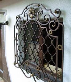 Кованные решетки на окна и балконы
