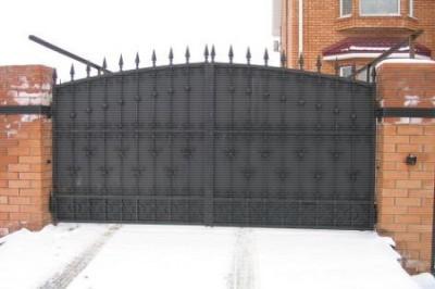 Кованные ворота, калитки, заборы.