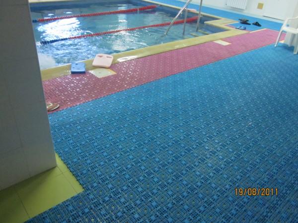 Коврики для бассейнов, душевых, саун и прочье