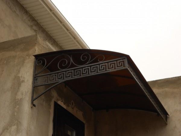 Козырьки, навесы, монолитный поликарбонат(литой, бронированный), сотовый. Кузня, художественная ковка, ворота, лестницы