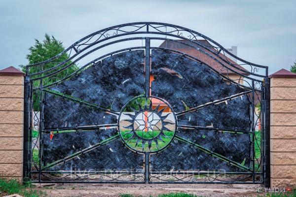 Красивые кованые эксклюзивные ворота авторской ручной работы Григория и Татьяны Тыцких