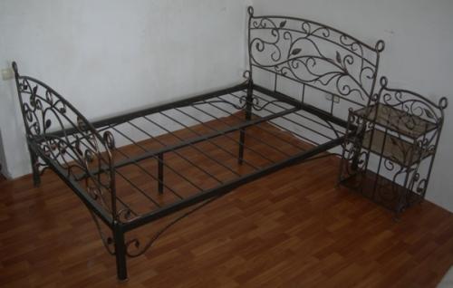 """Кровать кованая """"Дижон"""", габарит 1200 х2000 мм. Возможно в комплекте с прикроватными тумбочками и банкеткой."""