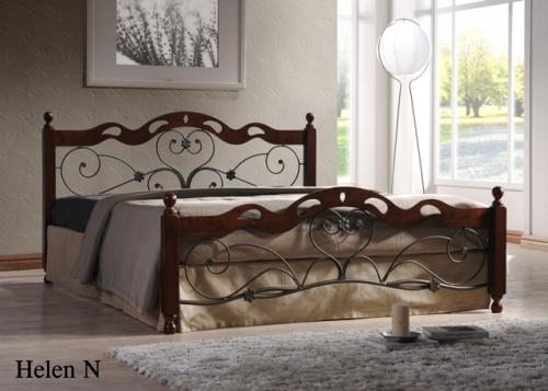 Кровать на металлической основе.