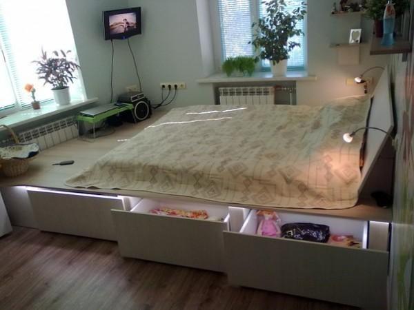 Кровать, подиум 1
