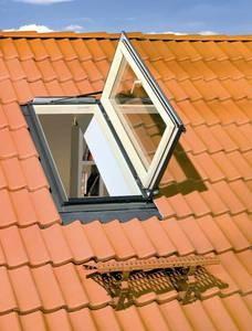 Окна-люки FWR (ФВР), FWL (ФВЛ) FAKRO (ФАКРО) для отапливаемой кровли, крышка из закаленного стекла