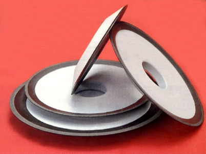 Круг алмазный шлифовальный тарельчатый формы 12R4 для заточки дисковых пил, фрез и другого инструмента.