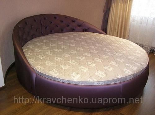Круглая кровать Луна с пуговицами. Круглые кровати под заказ в Киеве.