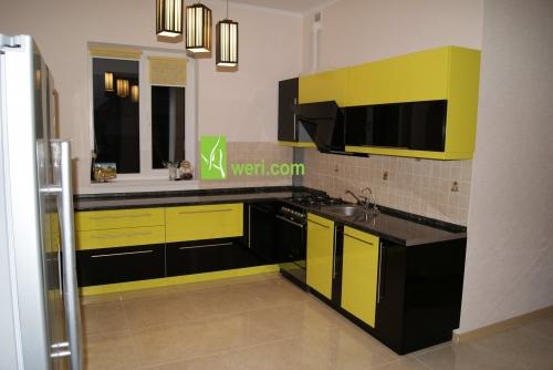 Кухня с крашенными глянцевыми фасадами от Aweri Корпуса - ДСП18мм Swisspan цвет - серый. Ручки - реллинговые.