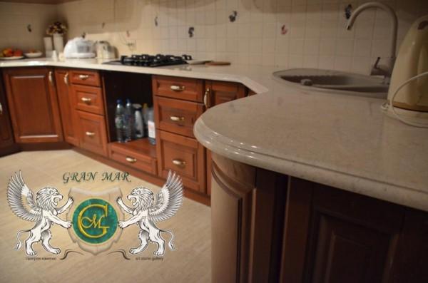 Кухонні стільниці з мармуру