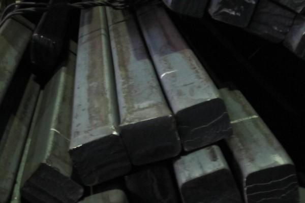 Квадрат сталь 5хнм размер 130х220х670 мм