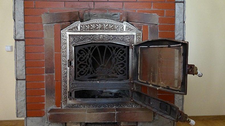 Термостойкий лак для каминов и печей - фото