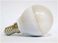 Лампа 28LED E14 свет теплый 130Лм, холодный 150Лм размер 46х75 мм