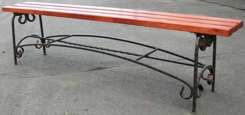 Лавочка Длина - 2000 мм. Покрытие: специальный лак.