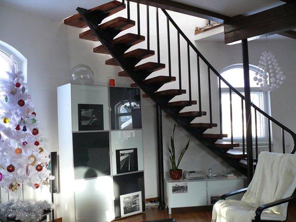 Лестницы в дом (внутренние и внешние), на заказ
