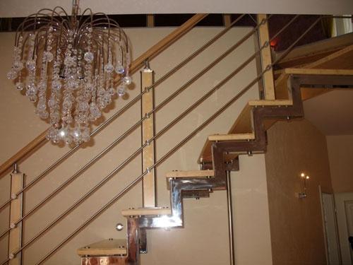 Лестница из нержавейки.