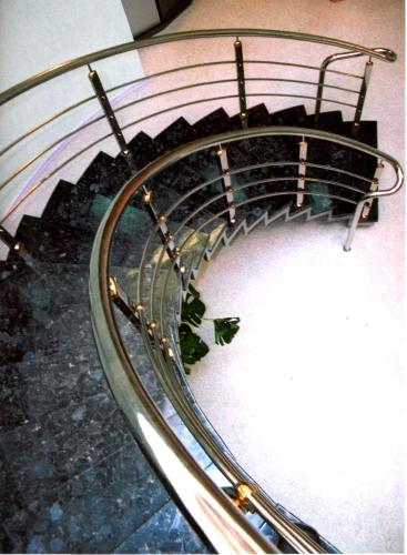 Лестница круговая; дизайн, проект, изготовление