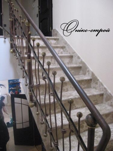 Лестница мраморная Bidasar Brown