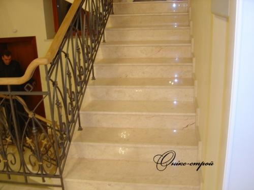 Лестница мраморная Onyx