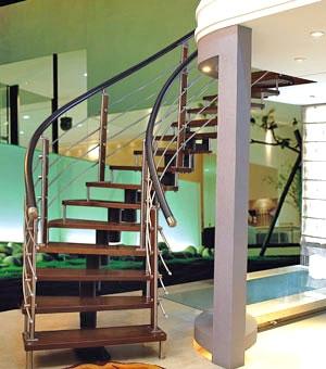 Лестница на цепном косоуре