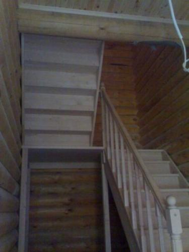 """Лестница""""TOLEDO """"прямая с площадкой, с разворотом на 180 град. ш.85см ольха"""