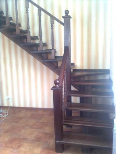 Лестницы из дуба.
