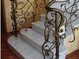 Лестницы из натурального камня в ассортименте