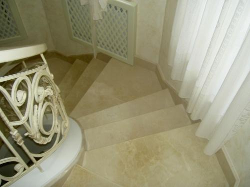 Лестницы из натурального камня. Ступени мрамор. Ступени гранит.
