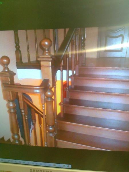 Лестницы из ясеня, дуба, ольхи.