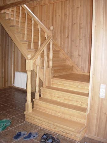 Лестницы (изготовление, покраска, доставка, сборка)