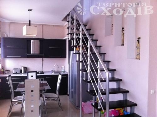 Лестницы, перила, ограждения, ступени, козырьки, навесы, металлоконструкции